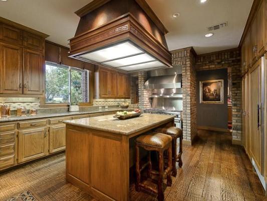 Kirk's Rockin K kitchen