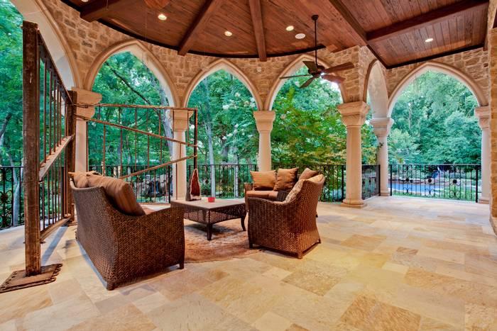 M Mansion portico