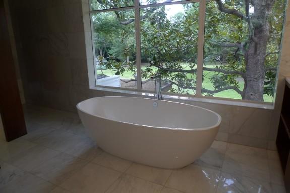 Marcus house master bath1