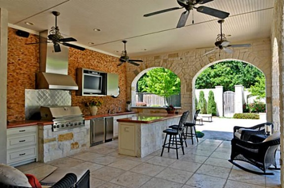 Mike Modano's Kelsey Square house ext kitchen