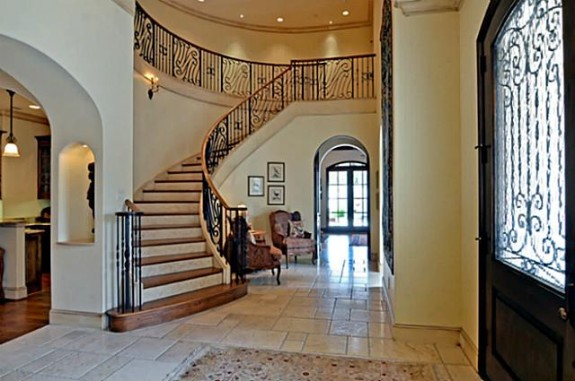 Mike Modano's Kelsey Square house foyer