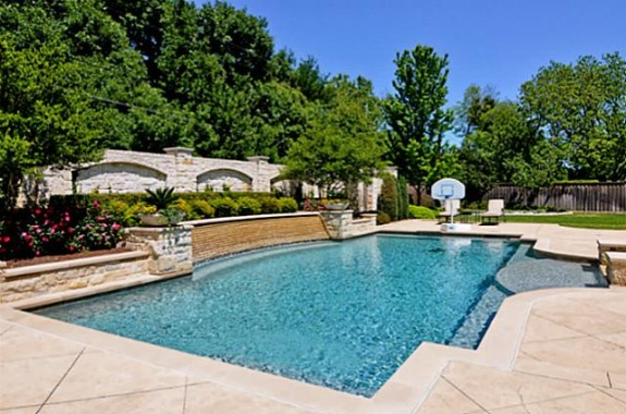 Mike Modano's Kelsey Square house pool