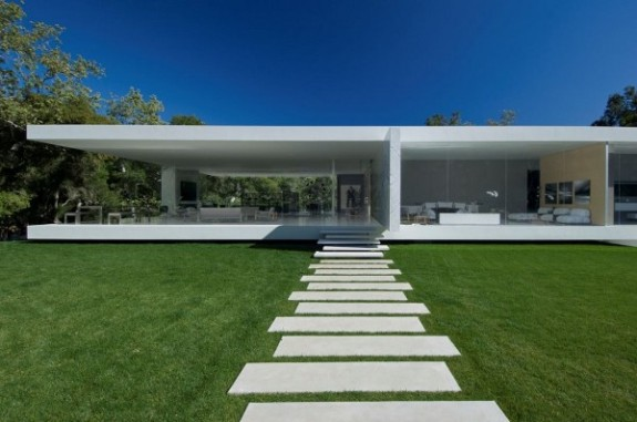 The Glass House ext