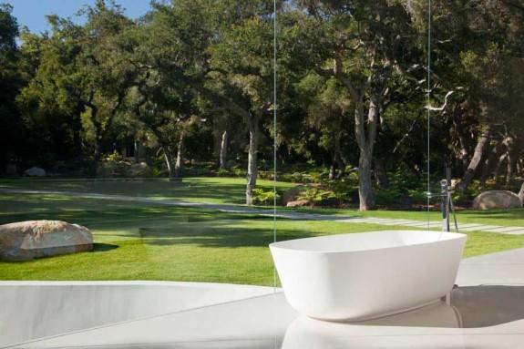 The Glass Pavilion bath