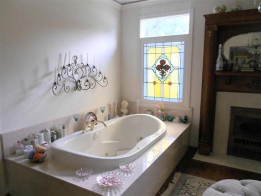 Watson Circle master spa tub