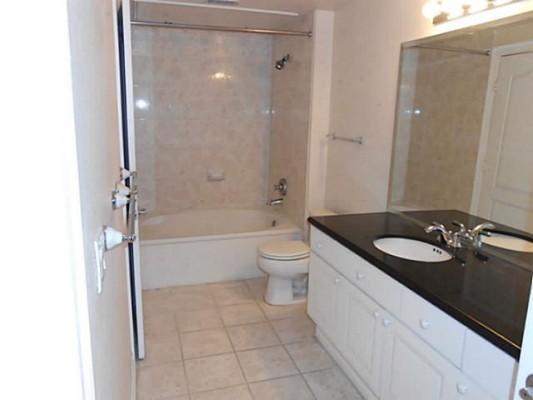 Wyndemere Bathroom